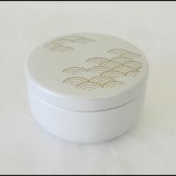 Petite Boîte à thé japonaise blanche et or